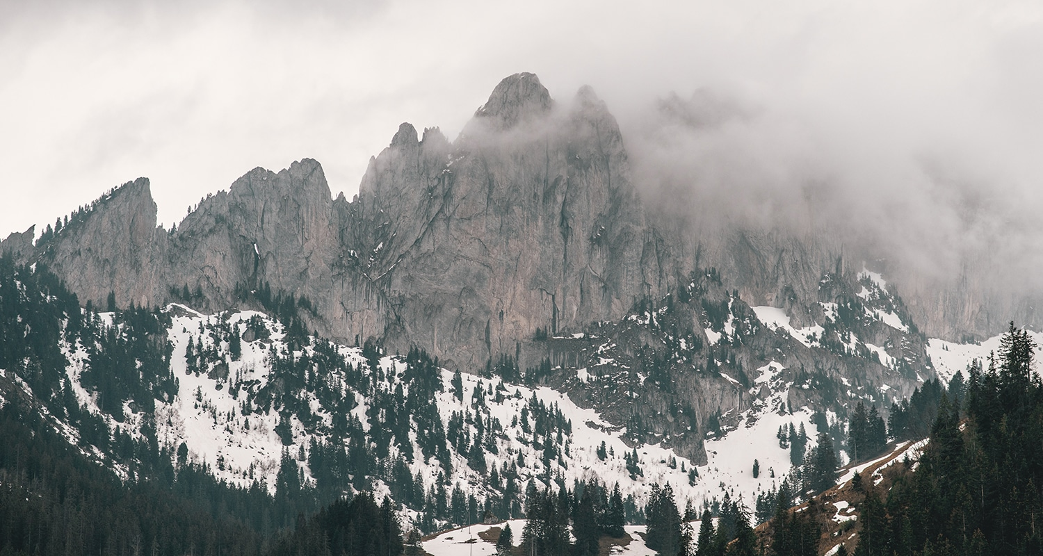 A summit that is reminiscent of the 3 peaks in the dolomites